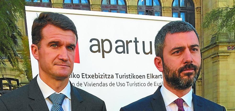 Aparture pide al Ayuntamiento que deje de «cebarse» con la oferta reglada en San Sebastián