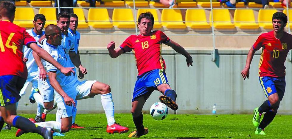 Oyarzabal marca y da una asistencia en la goleada