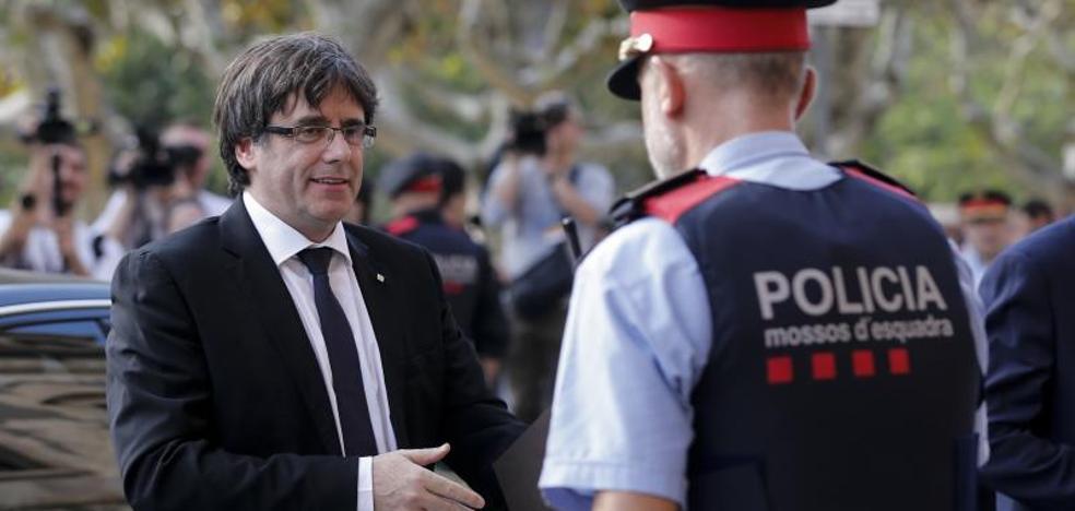 ¿En qué delitos podría incurrir el presidente catalán?