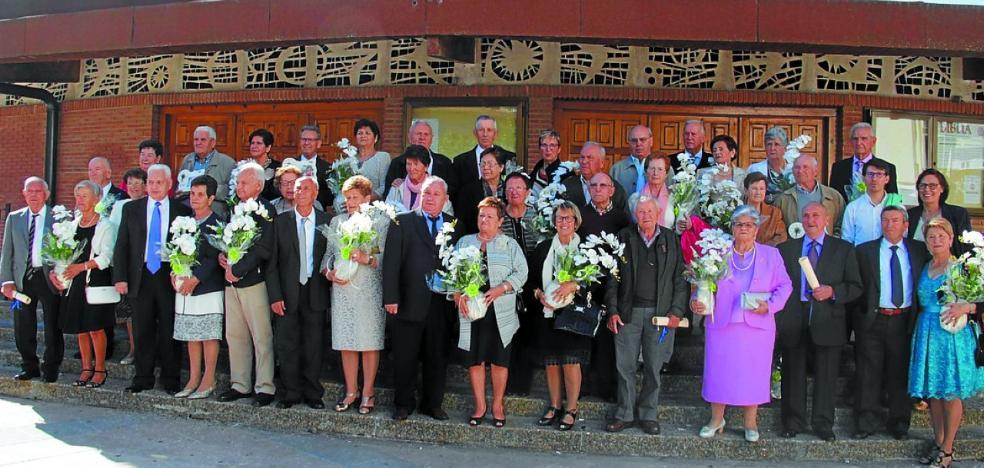 Reconocimiento a los matrimonios que celebran sus bodas de oro en 2017