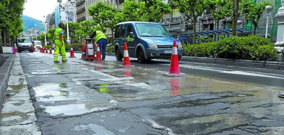 El Ayuntamiento arreglará el asfalto de más de treinta calles en once barrios de la ciudad