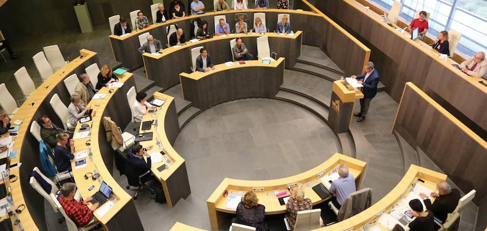 PNV y EH Bildu aprueban un texto en las Juntas Generales de Gipuzkoa que «reconoce y respeta la proclamación de la República de Cataluña»