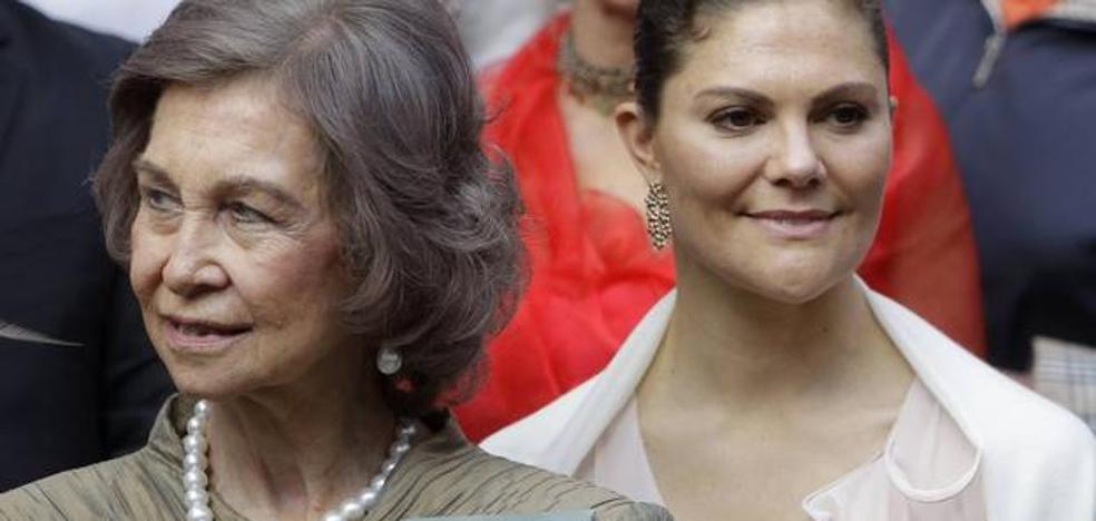 La reina luce una joya muy especial