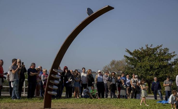 Una escultura en memoria de Manuel Matxain