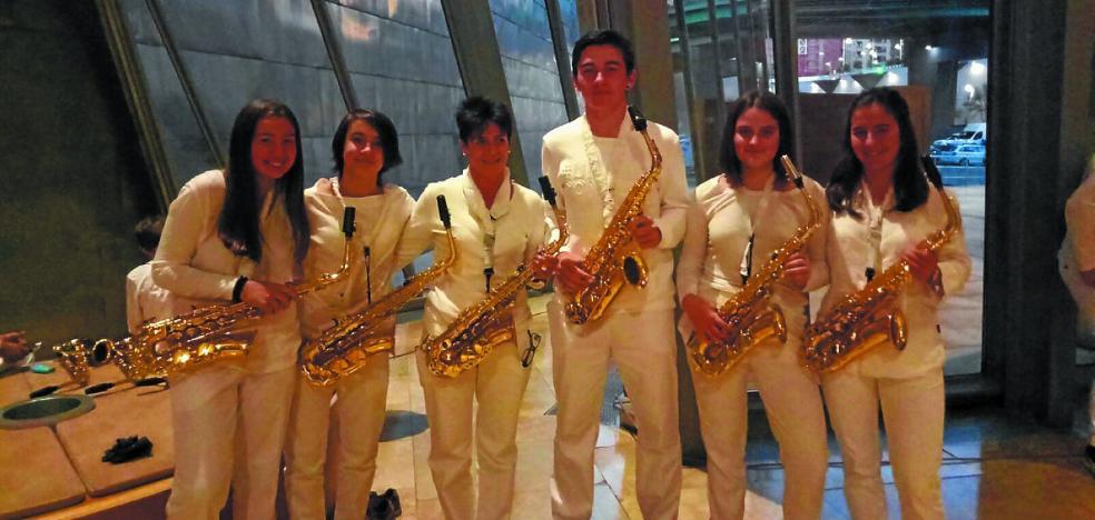 Saxofones siderales de Musika Eskola