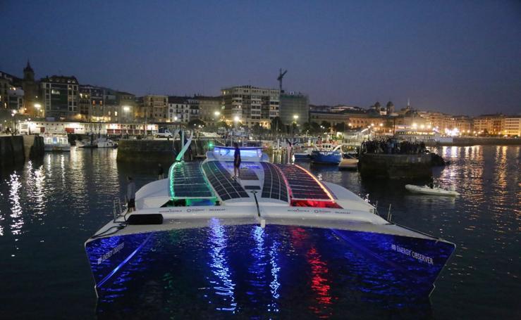 Un catamarán bello y sostenible a la vez