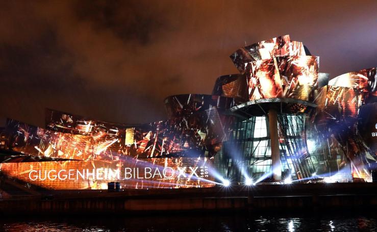 Y el Guggenheim de Bilbao estalló de luz