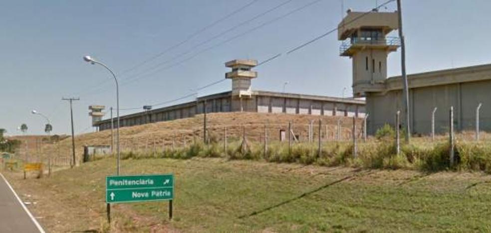 Un recluso brasileño muere tras pasar una semana con tres móviles en el estómago