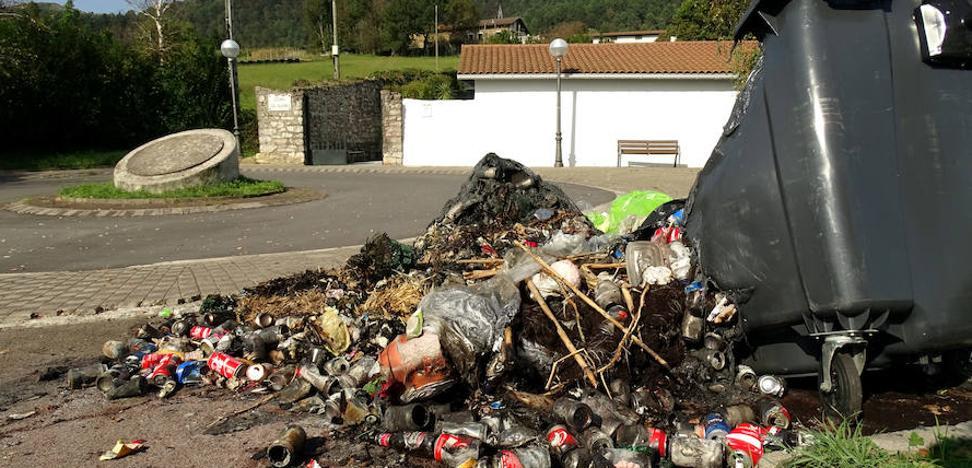 El Ayuntamiento de Lezo denuncia la quema de dos contenedores por la retirada del PaP