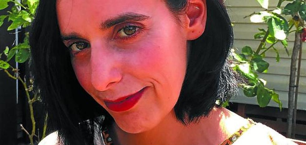 Itsaso Larrauri publica en papel su segunda novela romántica