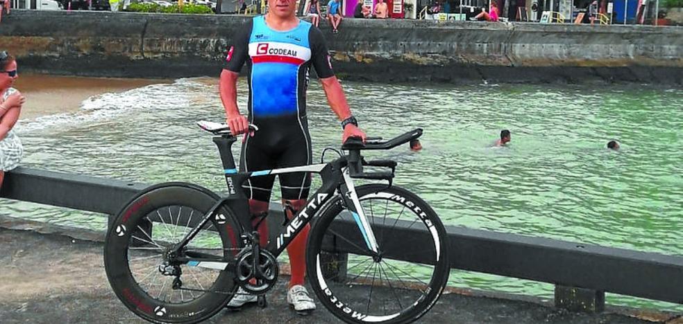 Julen Saldias participa hoy en el Ironman de Hawai