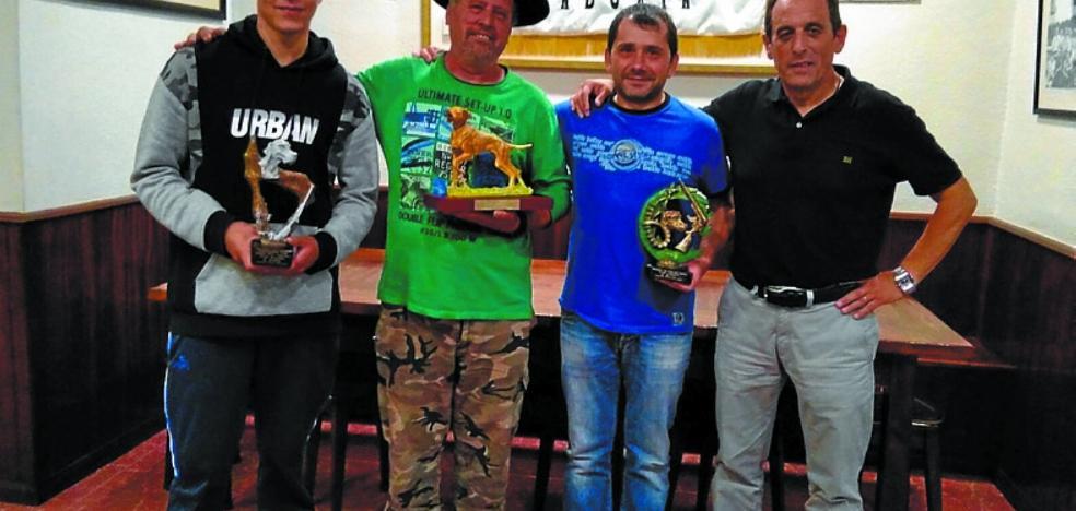 Ontza elkartea entregó los premios de caza menor con perro
