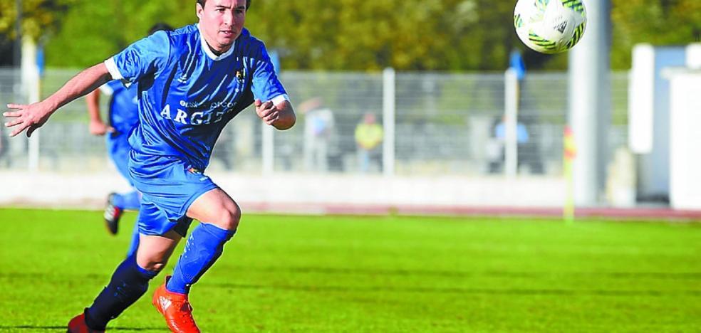 Paso atrás del Tolosa CF tras la injusta derrota en Deba (2-1)