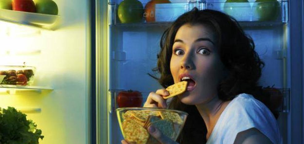 La razón por la que no debes comer tras las 19.00h si quieres adelgazar