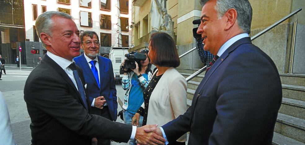 Urkullu reducirá al mínimo su relación con el Gobierno de Rajoy si sigue adelante con el 155