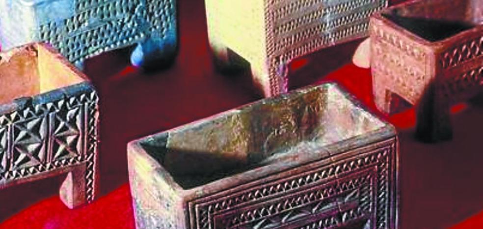 Dos joyas de la prehistoria alavesa se exhiben en el Museo Arqueológico
