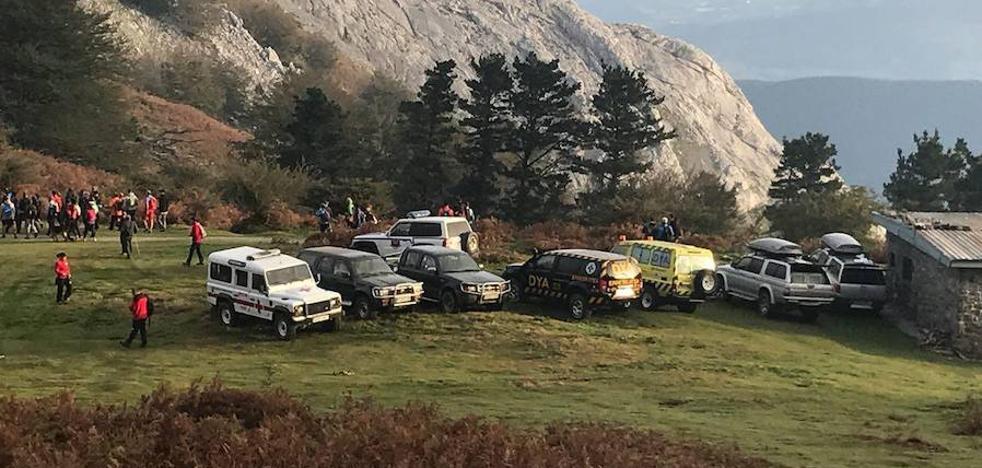 Más de 250 voluntarios ayudan en la búsqueda del montañero de Arrasate desaparecido