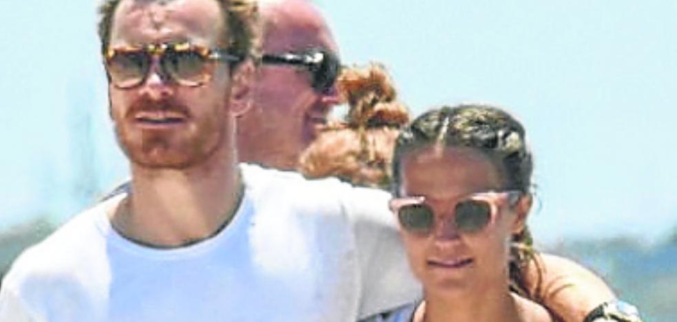 Fasbbender y Vikander ¿boda secreta en Ibiza?