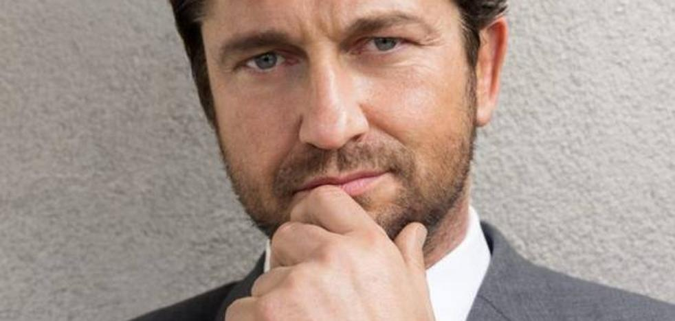 El actor Gerard Butler, ingresado de urgencia tras un accidente de moto