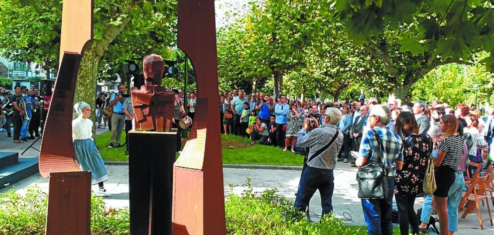 El alcalde estuvo en el acto de homenaje a electos fusilados durante la Guerra Civil