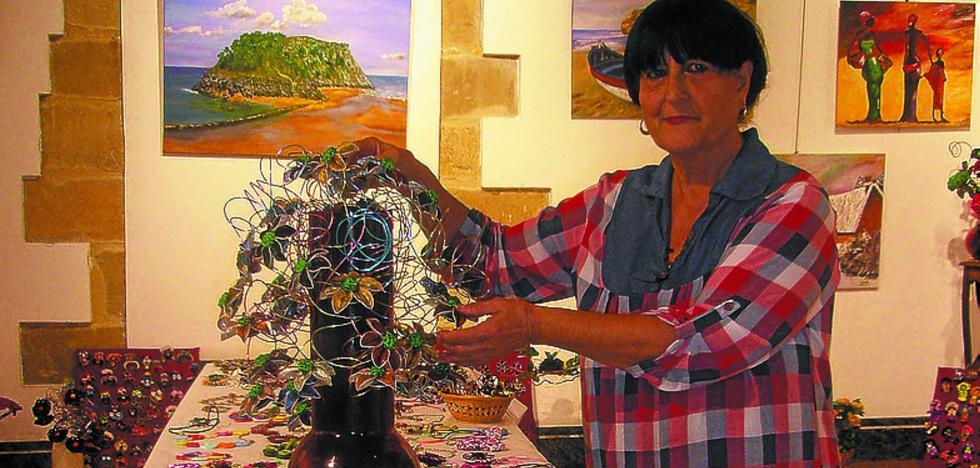 Inauguración en Zabiel de la muestra de Olga Lauzirika