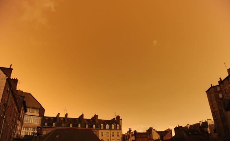 El cielo se tiñe de amarillo