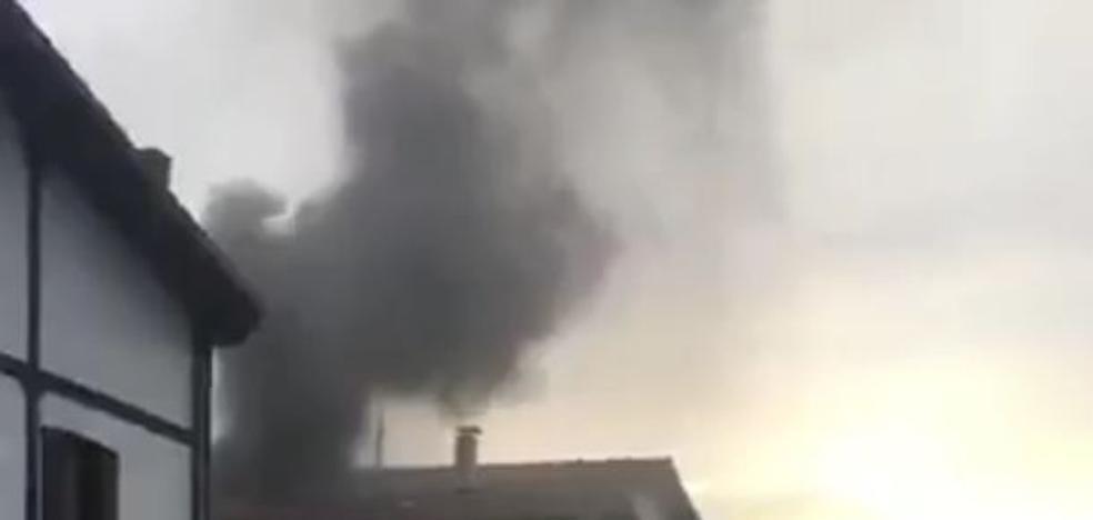 Un incendio causa daños en una vivienda de Astigarraga