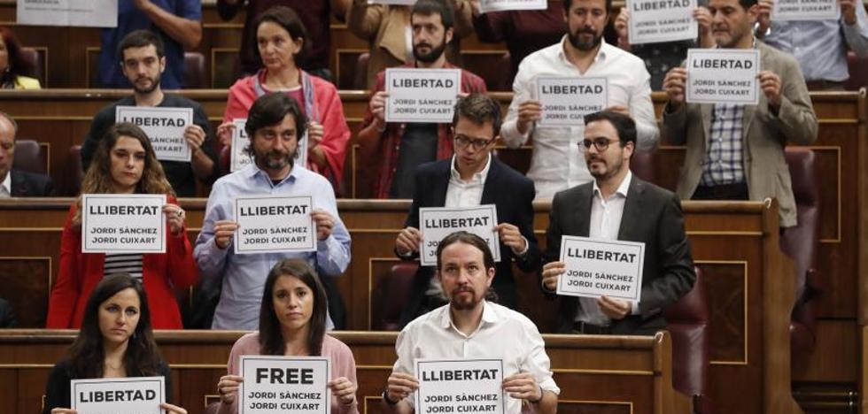 Bronca de Pastor a Podemos, ERC y PDeCAT: «No van a contaminar el Congreso»