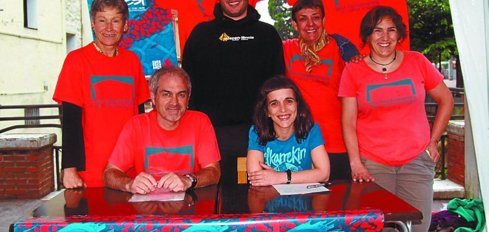 Cadena humana de Gure Esku Dago «por Catalunya y el derecho a decidir»
