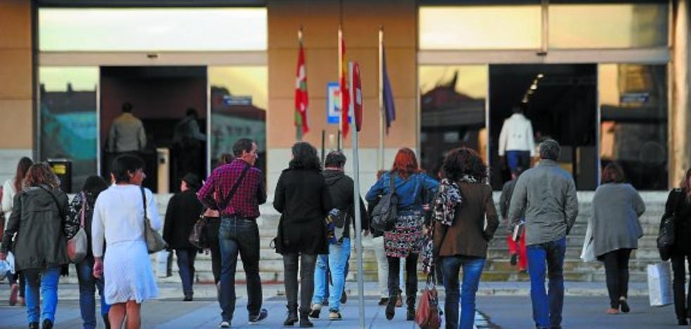 El Gobierno Vasco subirá en 2018 el sueldo a los funcionarios un 1,5% sin acuerdo sindical