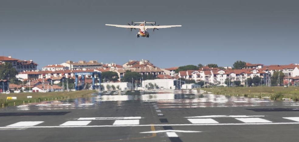 El Parlamento Vasco rechaza la ampliación de la pista del aeropuerto de Hondarribia