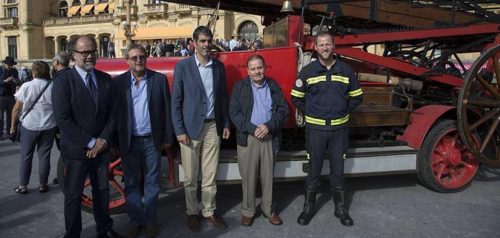 El Ayuntamiento de San Sebastián homenajea al Cuerpo municipal de Bomberos en su 150 aniversario