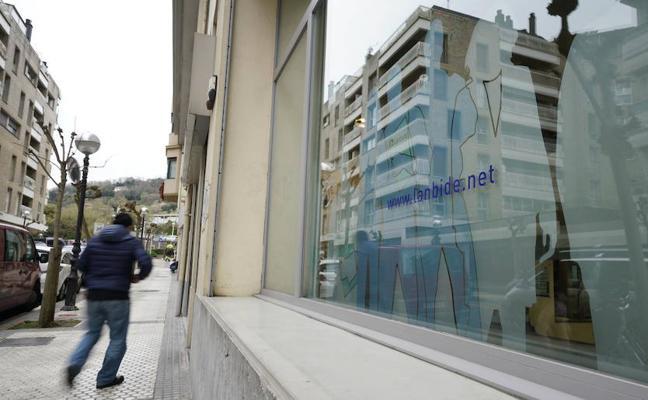 Gipuzkoa pierde 1.200 ocupados en el tercer trimestre por el bajón de los servicios