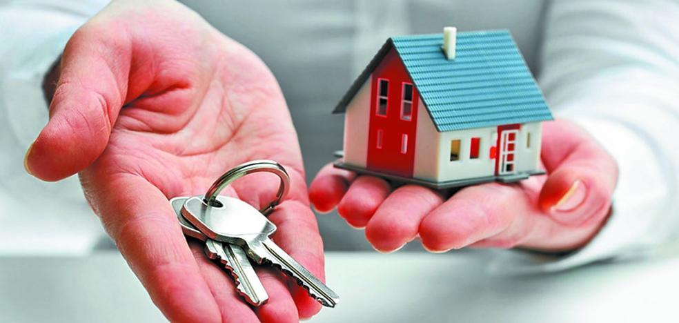 La venta de pisos en usufructo atrae a personas mayores que necesitan más recursos para vivir