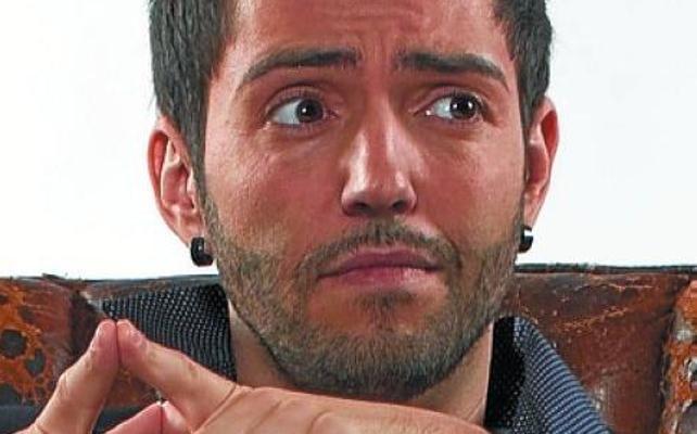 David Guapo toma el cine Soreasu de Azpeitia al grito de '#Quenonosfrunjanlafiesta'