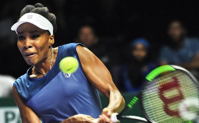 Wozniacki y Venus jugarán la final, Halep acaba el año como número 1