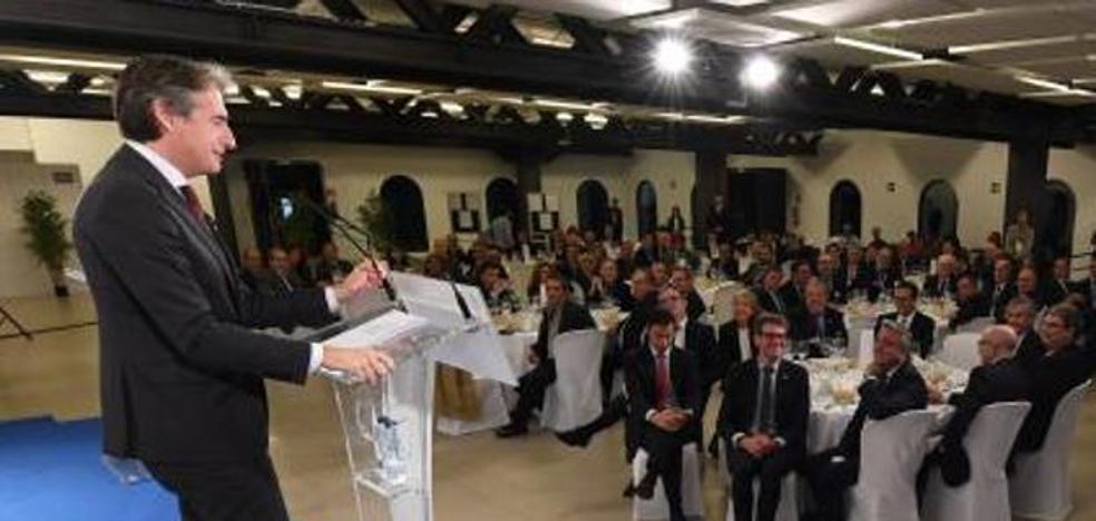 El ministro De la Serna tiende «la mano» al PNV para un acuerdo presupuestario