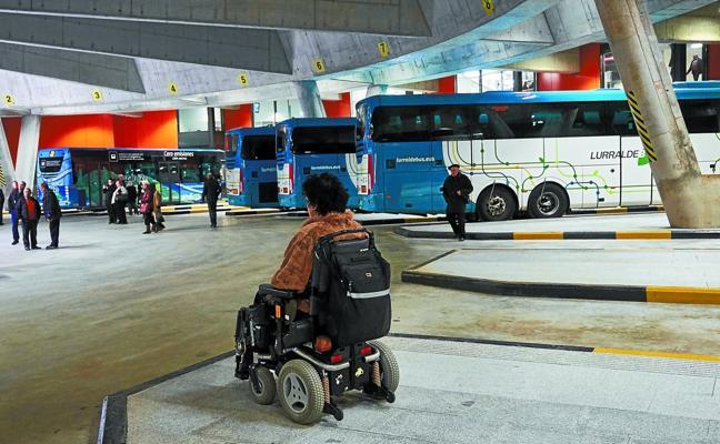 La accesibilidad de la Estación de Autobuses es «adecuada», según el alcalde de San Sebastián