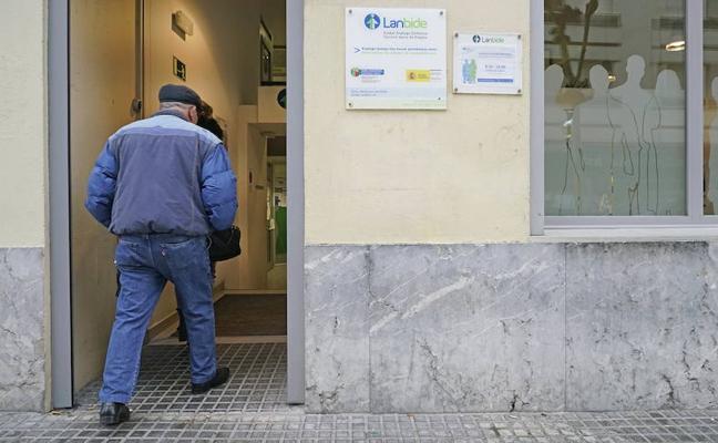 Euskadi encabeza la tasa de parados de larga duración, que son 6 de cada 10 desempleados