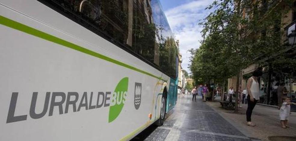 Gobierno foral y oposición elevan el tono por el cambio en los autobuses de Buruntzaldea