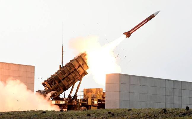 Arabia Saudí intercepta un misil cerca del aeropuerto de Riad