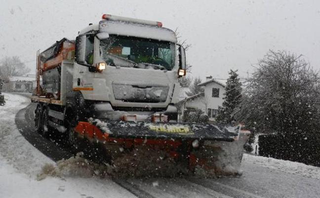 Euskadi contará con 170 quitanieves para hacer frente a los temporales invernales