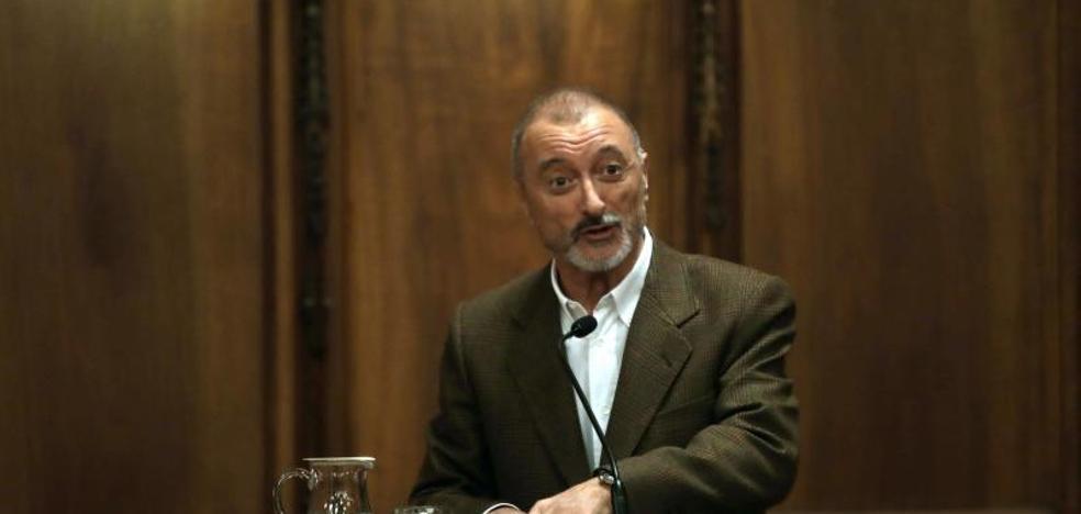 Pérez-Reverte recibe en Francia el premio Jacques Audiberti