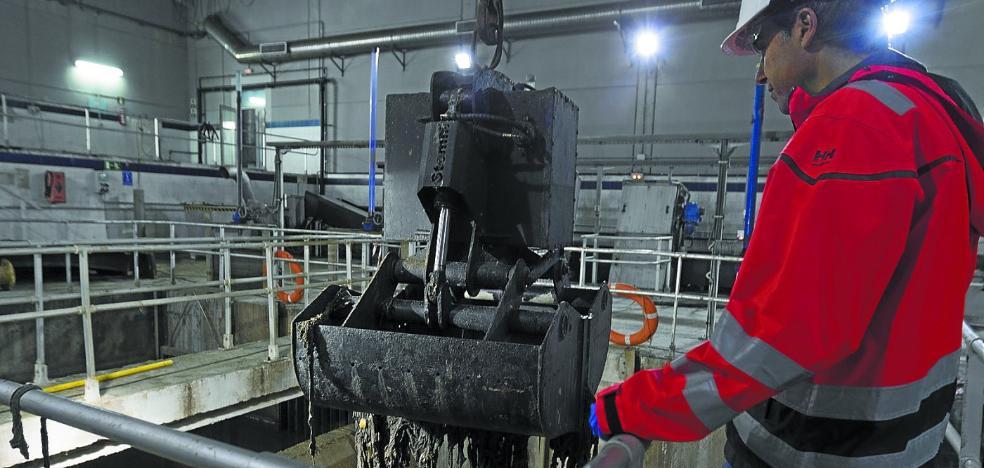 Solucionado el atasco de toallitas en la red de saneamiento de Donostia