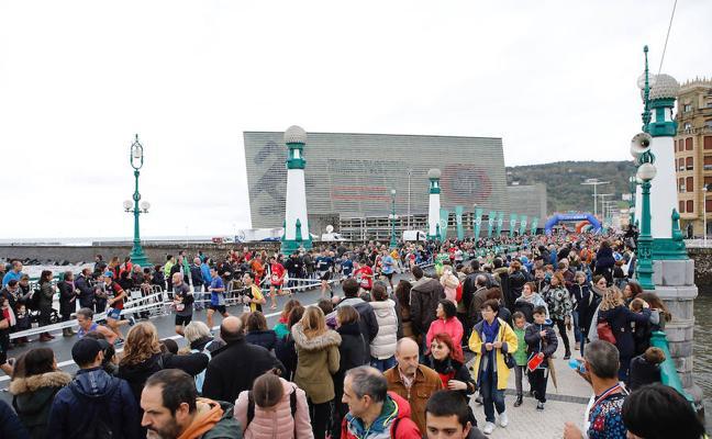 Paso de la Behobia-San Sebastián por el Kursaal