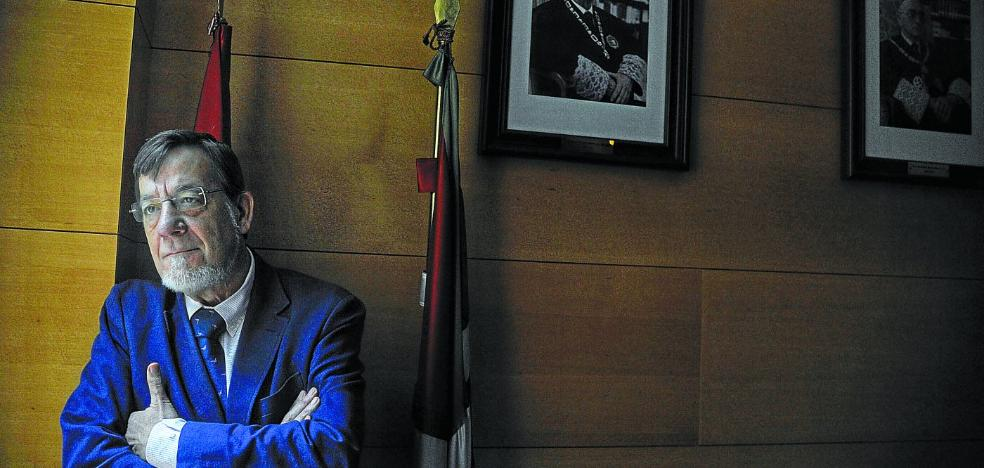 Juan Luis Ibarra: «Puigdemont está protagonizando una pésima defensa de sus intereses jurídicos»