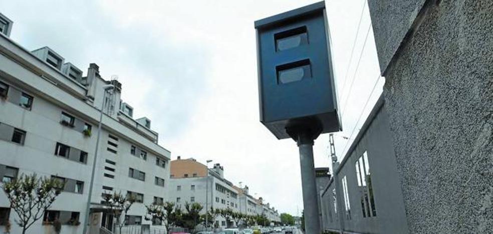 Hoy empiezan a poner multas los radares de García Lorca y Riberas de Loiola