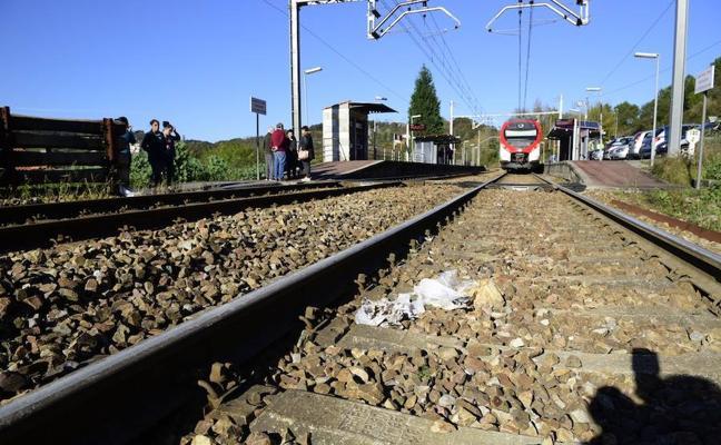 Muere un hombre arrollado por un tren en un apeadero de Oviedo