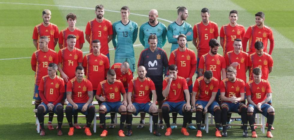 Rajoy resta importancia a la polémica con la camiseta de España