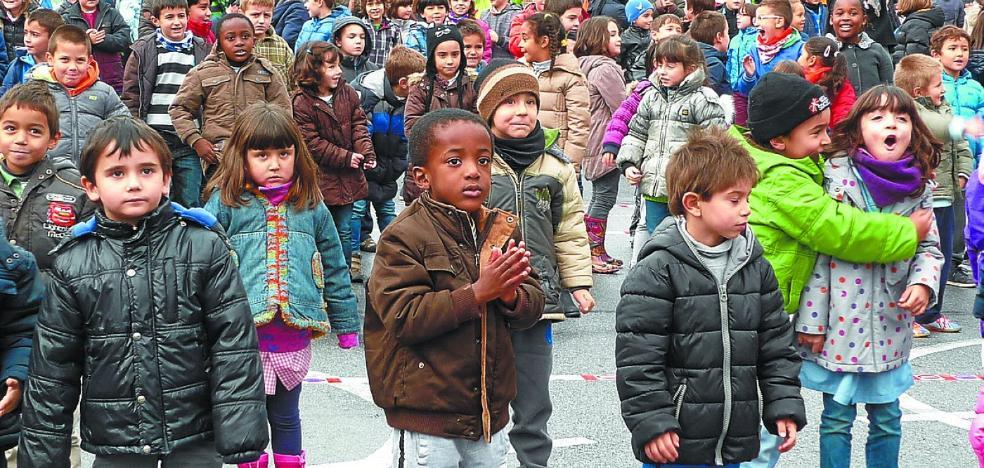 Pasaia celebra durante todo el mes actos por los derechos de los niños
